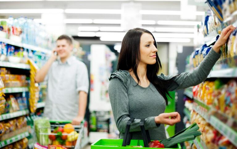couple-at-supermarket-thumb